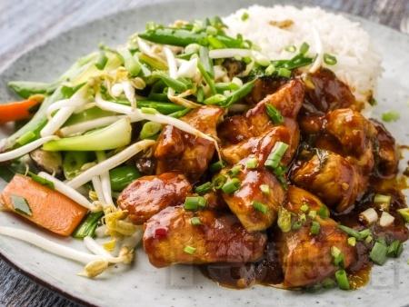Пилешки хапки със сладко кисел сос - снимка на рецептата